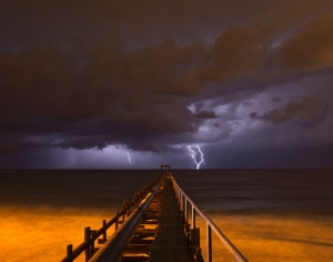 lightning-strikes-israel